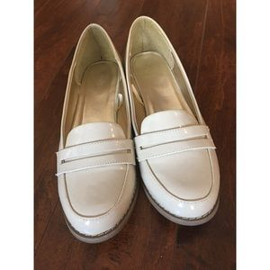 Shoes - 👡🥿 Comfy faux, patent leather cream loafers.